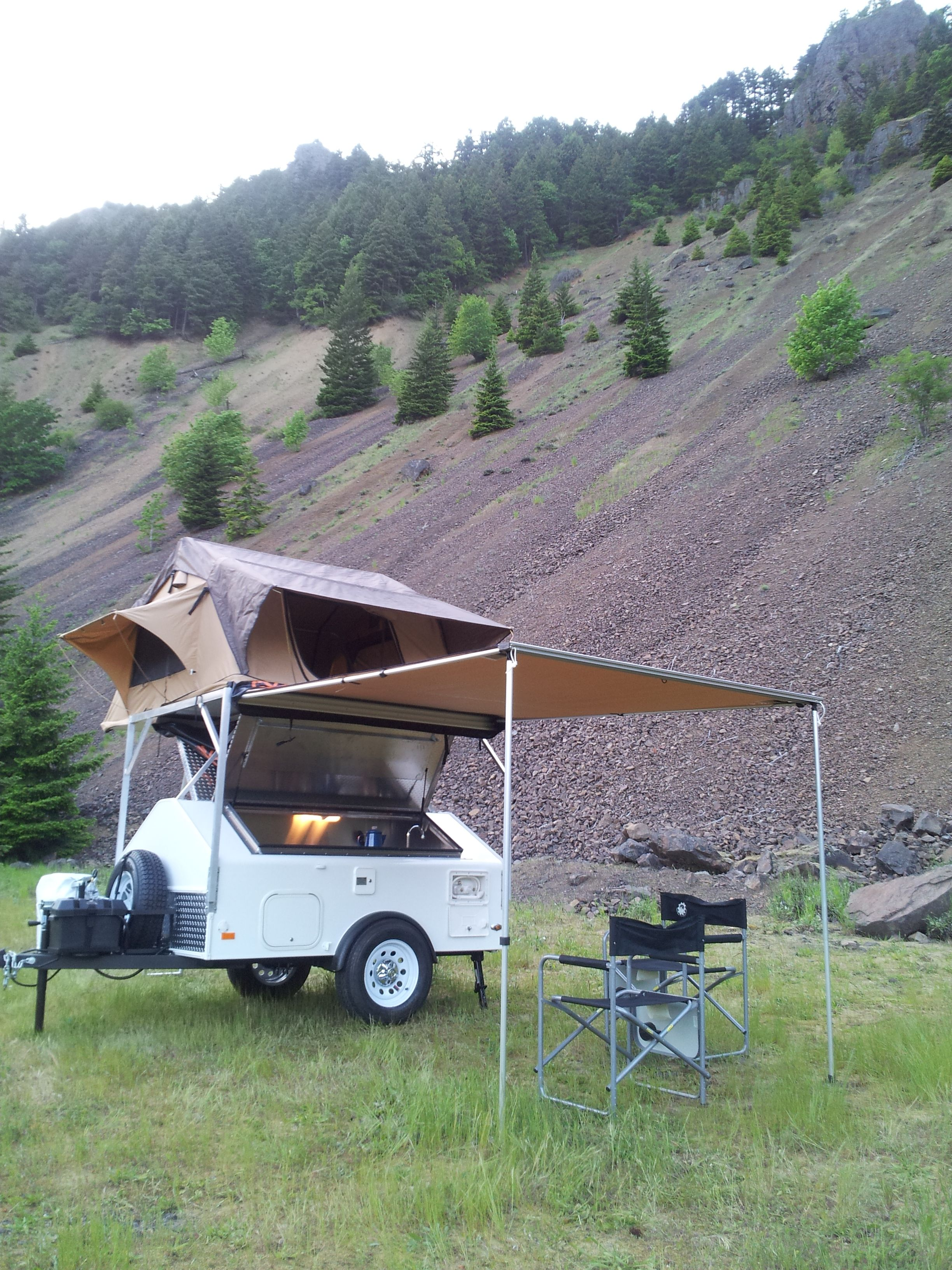 Adventure Kings Roof Top Tent Weight full pod , includes rack and awning pod with roof top tent