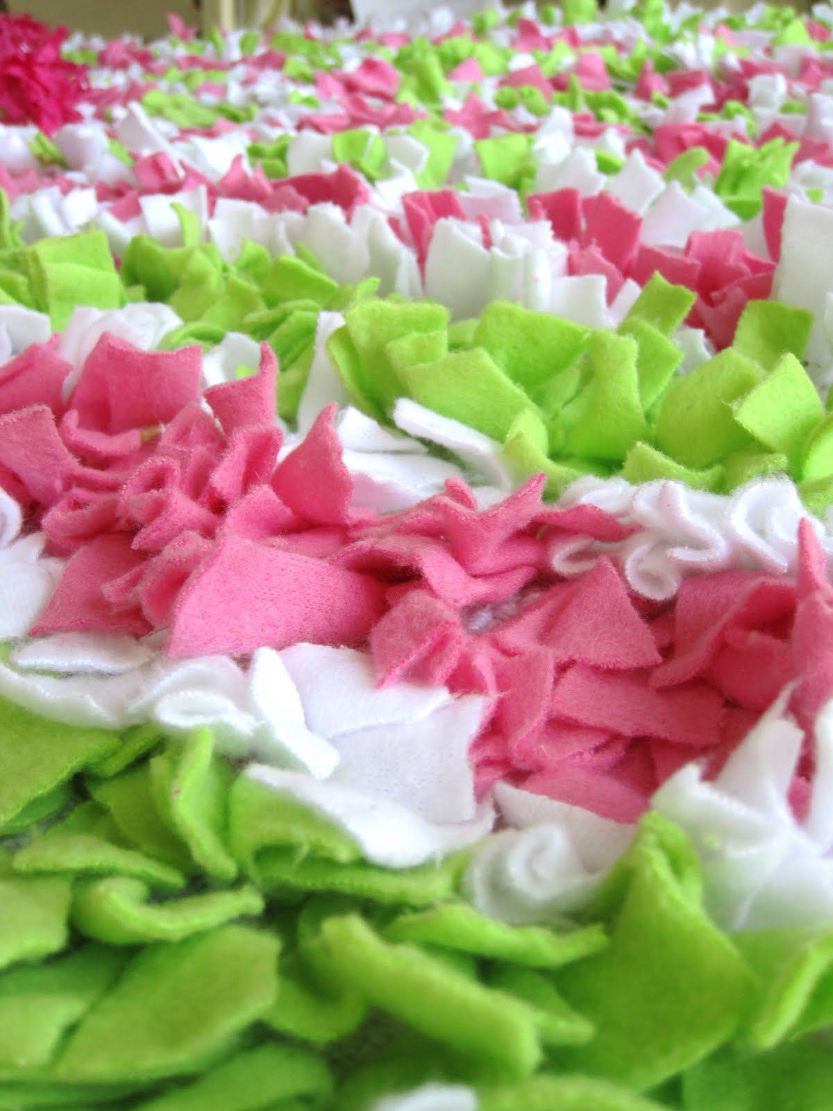 This would make a cute rug for a pink & green girls bedroom | Future ...
