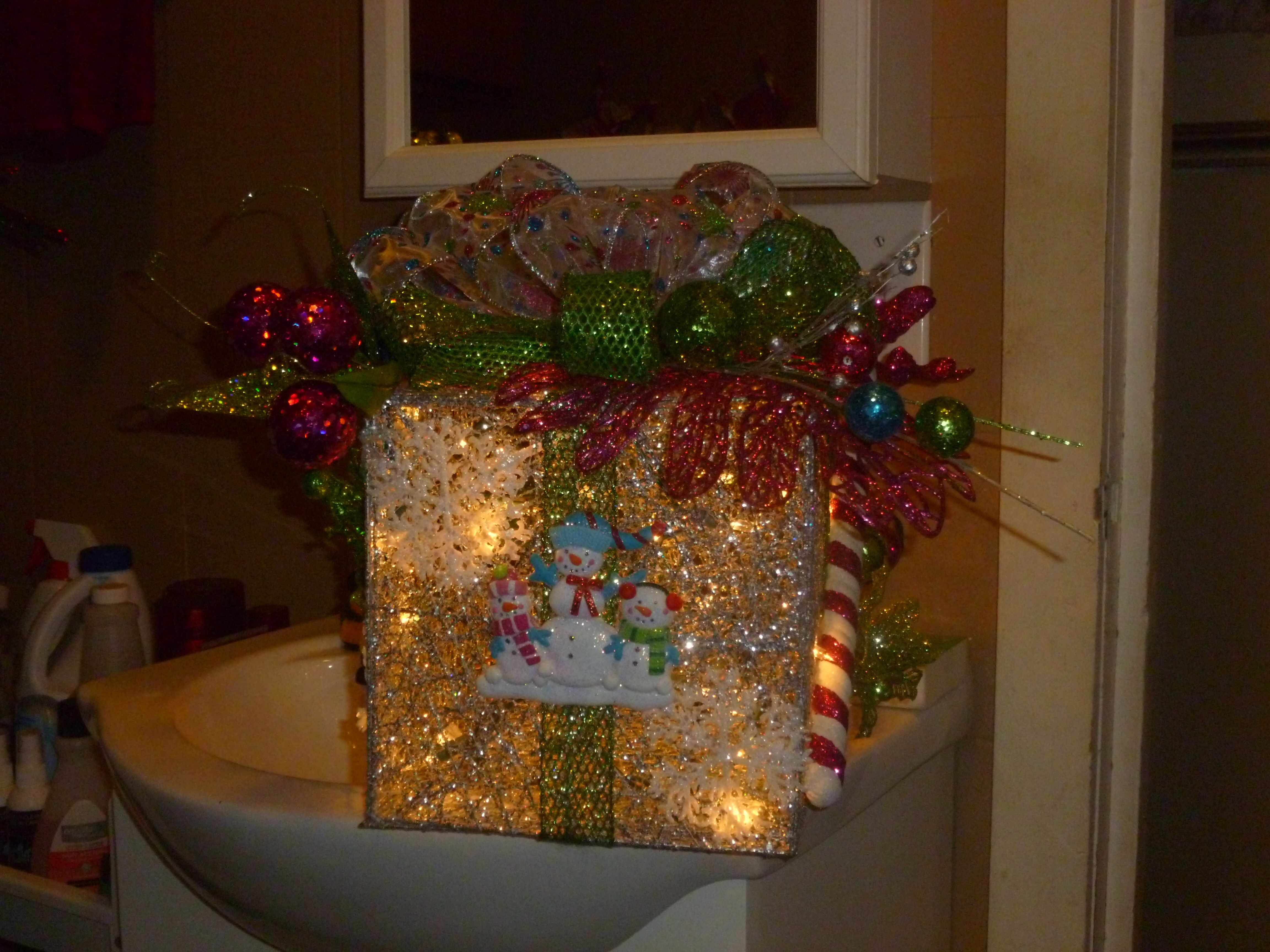 Silver glitter box with clear blinking lights hot pink bright