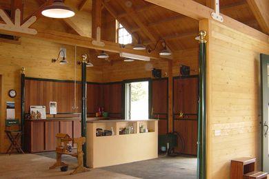 Grooming Area Meadow Farm Santa Barbara Ca Dream Barn Stables Dream Horse Barns Barn Stalls