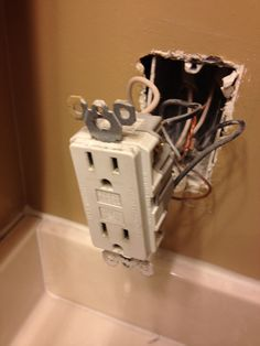 installing a gfci outlet outlets box and easy rh pinterest co uk 4 Wire Outlet Wiring Single Outlet Wiring