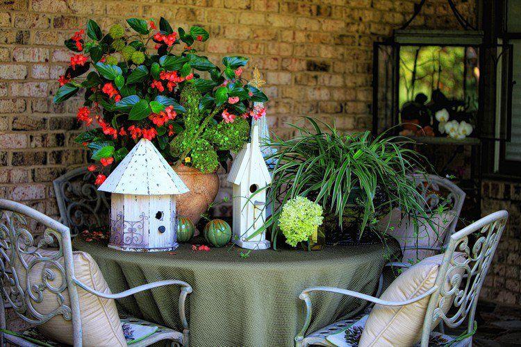 composition jardinière été de fleurs rouges et roses et meubles en - meuble en fer design