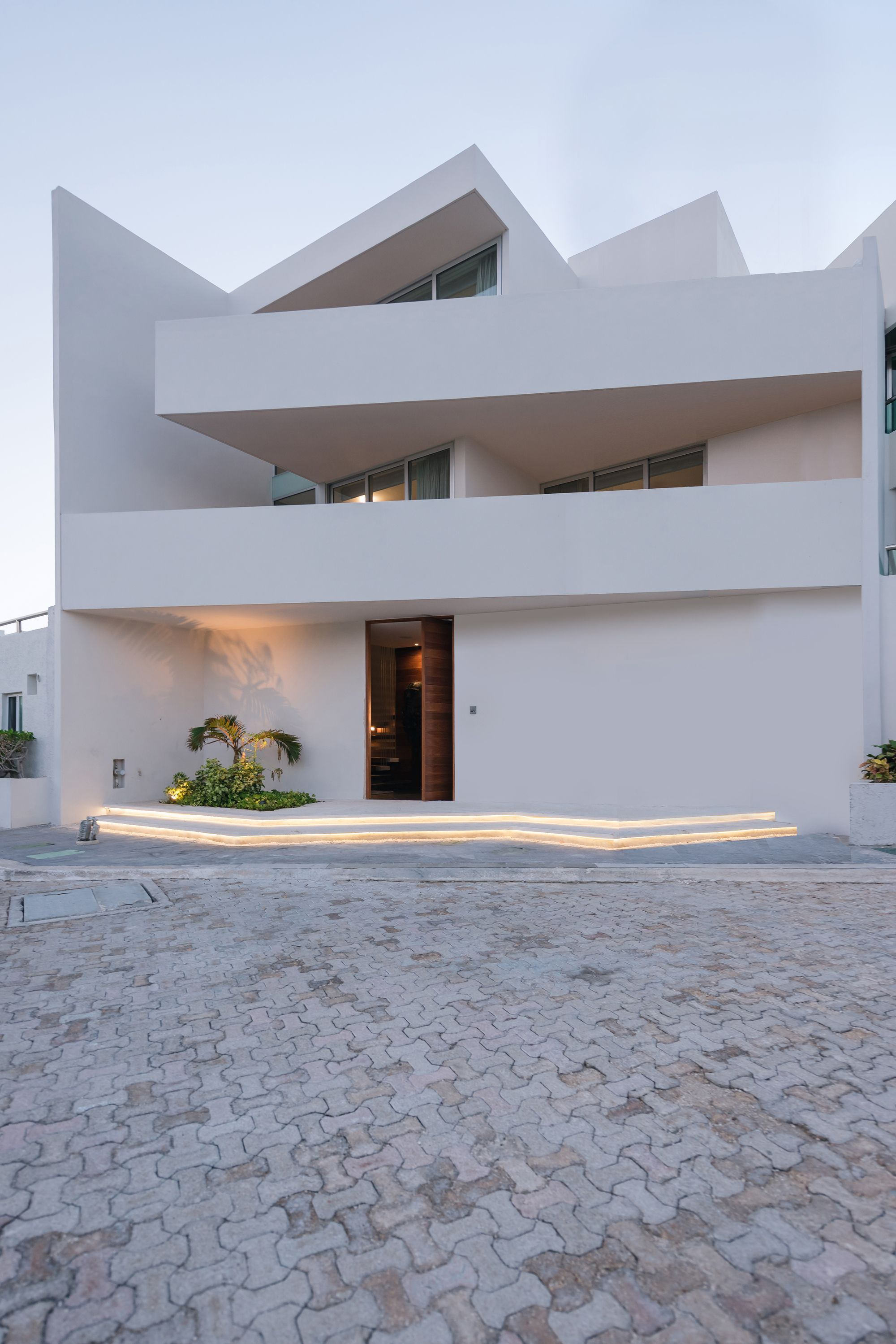 Villa 9 10 / EURK Buildesign Arquitectura minimalista