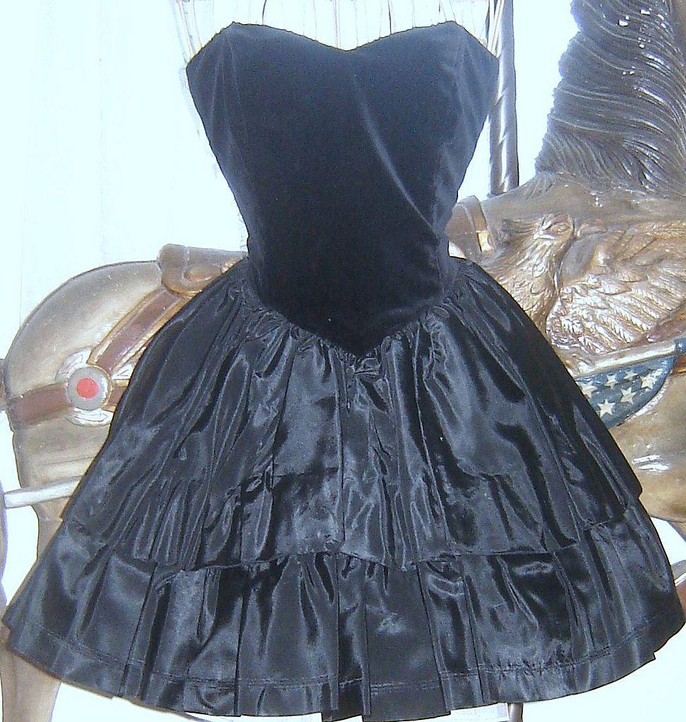 Vintage laura ashley black velvet taffeta bustier part prom dress