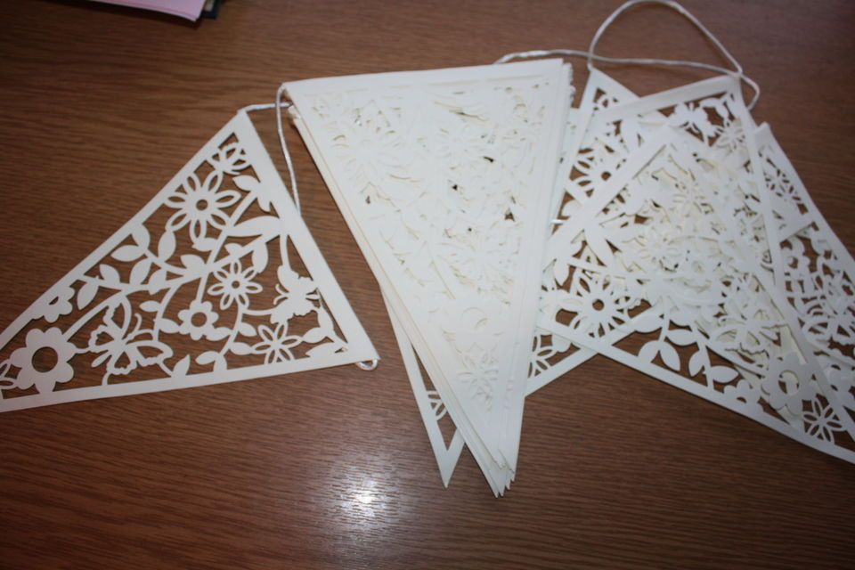 8 METRES IVORY LACE EFFECT BUNTING - 20 FLAGS 17 x 23cm - PARTY WEDDING DECOR
