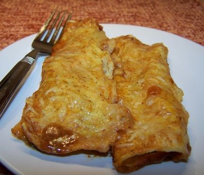 Creamy Spinach Enchiladas..these look really good...hope to try them soon....