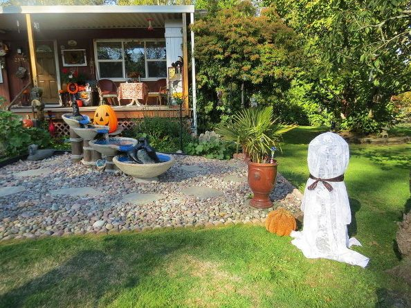 fun fast and easy solar halloween ghost, crafts, diy, halloween - fun and easy halloween decorations