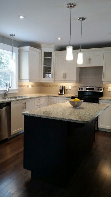 Design Your Kitchen In A New Skymark Homevisit The Model Home Simple Kitchen Model Design Inspiration