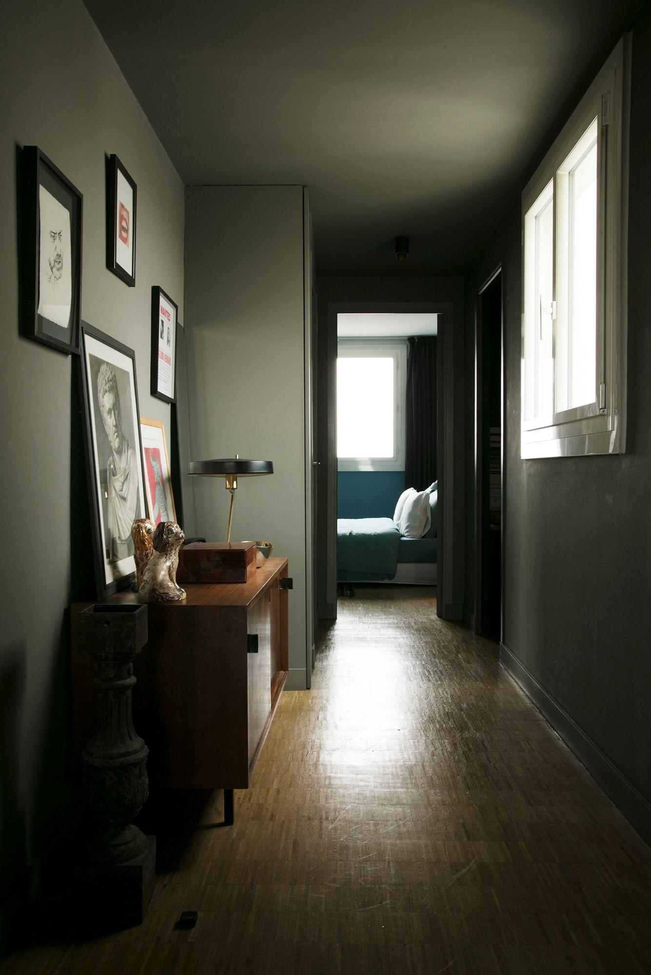 L'#appartement de Christophe Verot,  Fondateur de Robinson les Bains  #robinsonlesbains #maillots #summer #portrait #man #paris #french  #decoration #deco #parisian #flat