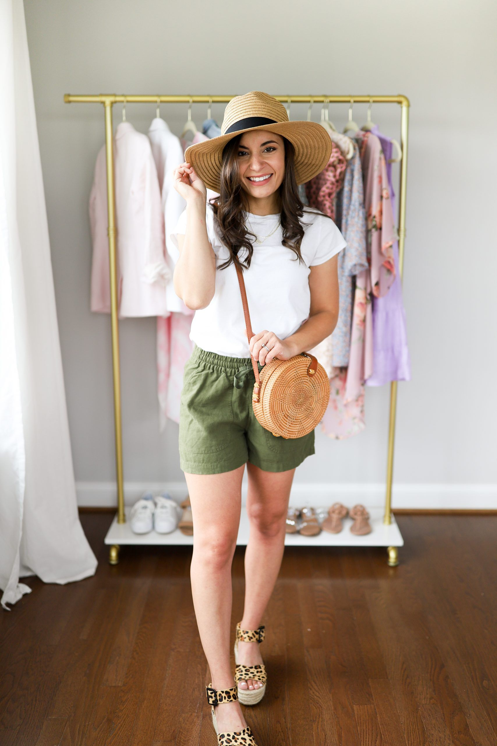 Five Ways To Wear Leopard Shoes Pumps Push Ups Fashion Blogger Petite Summer Hats For Women Summer Hat Style