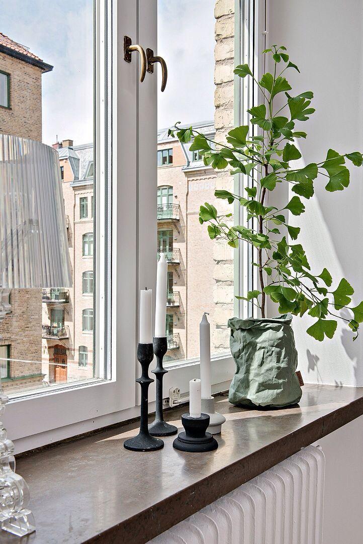 Fensterbank Dekoration: Schlicht und schön