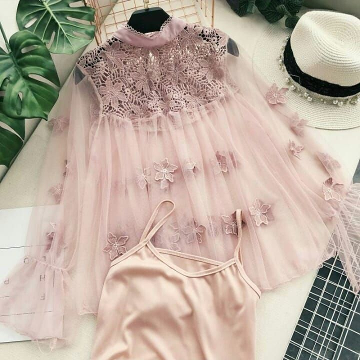 Women's lace mesh hollow out blouse top puff sleeves floral 💕 All Colours available 💚 #women #lace #mesh #hollow #outfits #blouse #top #puff #floral #fullsleeve #loveyourself #queens #b_fab 💕 . . Dm me for more details 💕