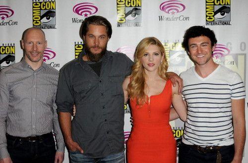 Vikings Tv Series Photo Vikings Cast At Comic Con Vikings Tv Series Vikings Tv Travis Fimmel