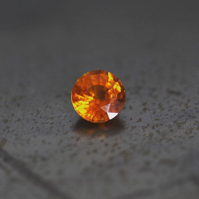 With fall comes pumpkin spice everything.. so here's our 5.26ct pumpkin orange sapphire! #joganibh . Shot by @jilliansorkinphotography . . #sapphire #fall #love #pumpkinspiceeverything #pumpkin #jewelry #jewelrydesign #custom #thepossibilities #gemstones #instagems #pumpkinspice #orange