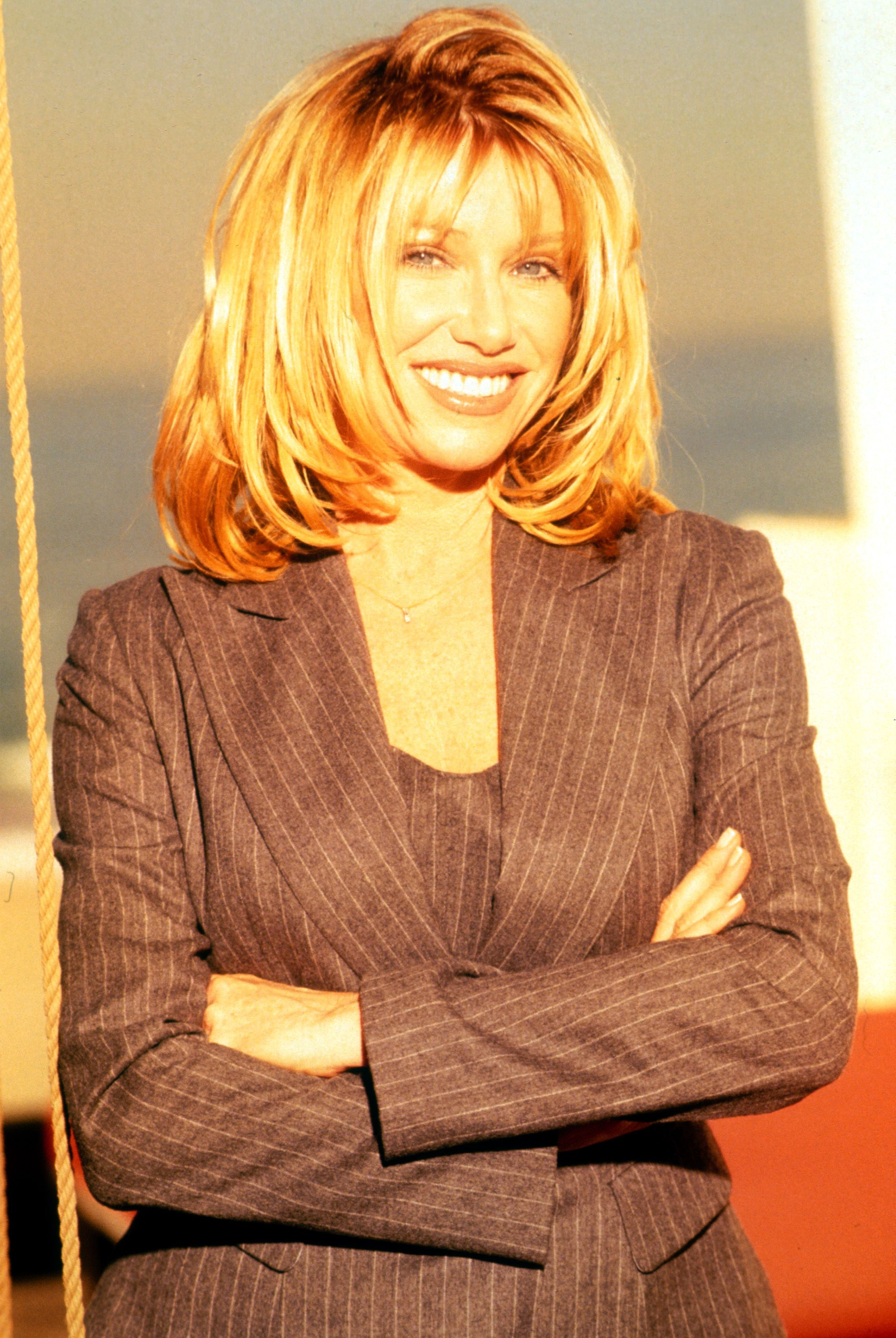 medium layered haircuts pictures suzanne somers hairstyles hair styles hair 3690 | 2167ac4939d3690e7bc705a06c9871c2