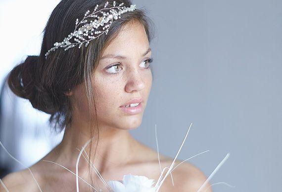 Copricapo da sposa sposa tiara stile  Gaia di CherryTwigs su Etsy