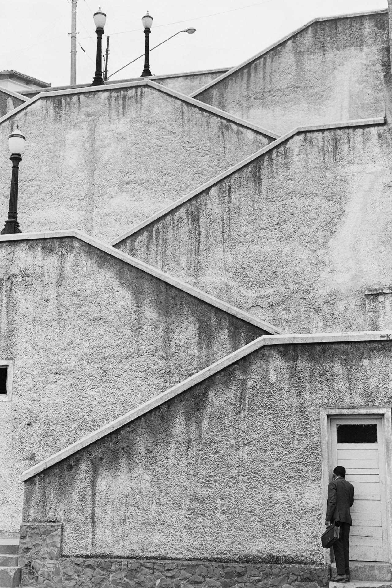 luzfosca:  Carlos Moreira  Escadaria da Rua Cardeal Arcoverde, São Paulo, Brasil, 1972