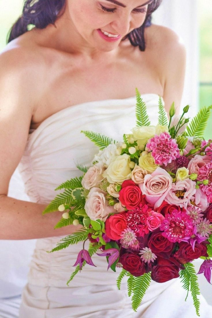 21 Irrisistable Bridesmaid Flower Bouquets To Inspire You
