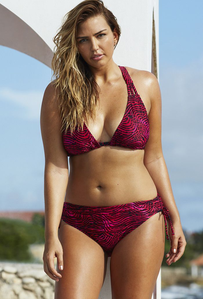 Vogue S Latest Bra Shoot Features Five Gorgeous Plus Size Models