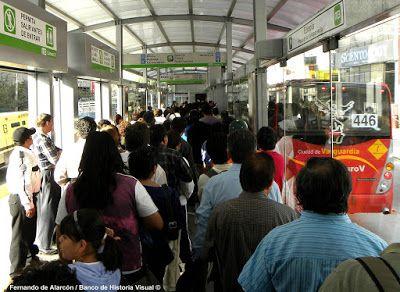 """Doble Hoy no circula"" Metrobus."
