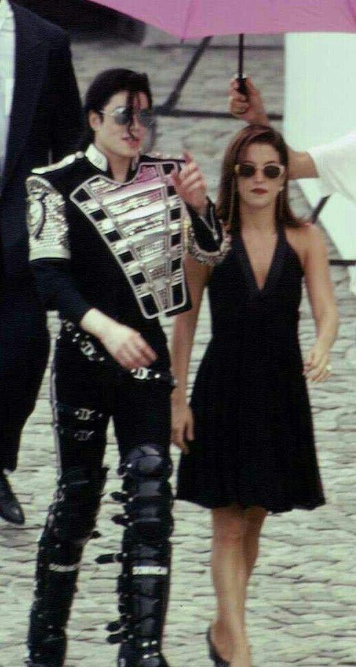 Set Of History In Budaphest Michael Jackson Art Michael Jackson Michael Jackson Pics