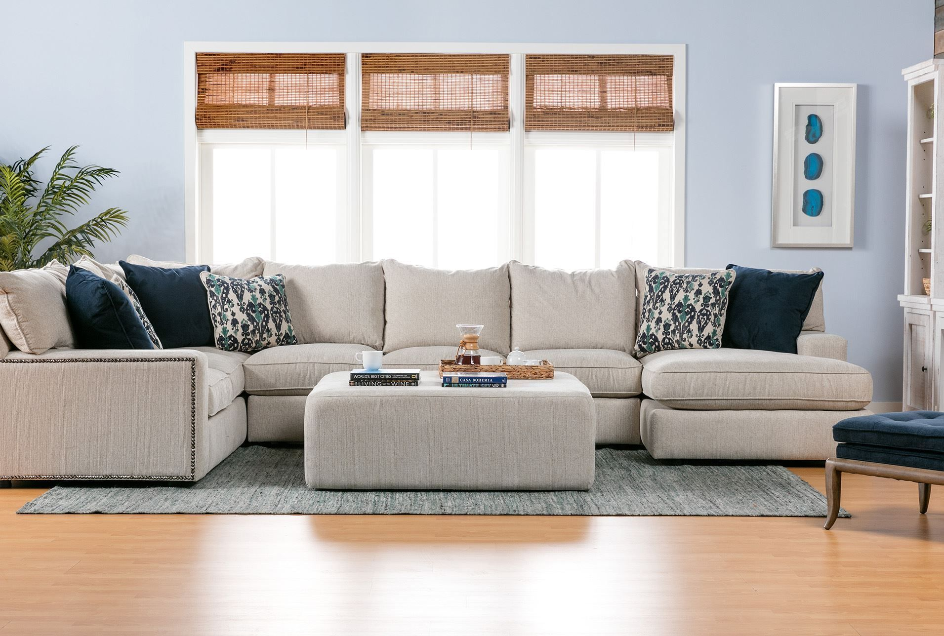 Rennell 3 Piece Sectional W Raf Chaise