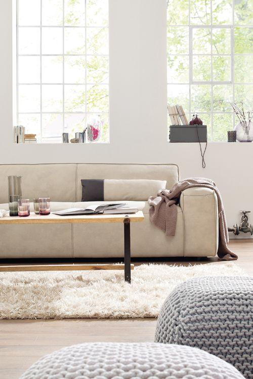Skandinavisch schick und urgemütlich Natura Denver von Spitzhüttl - wohnzimmer couch gemutlich