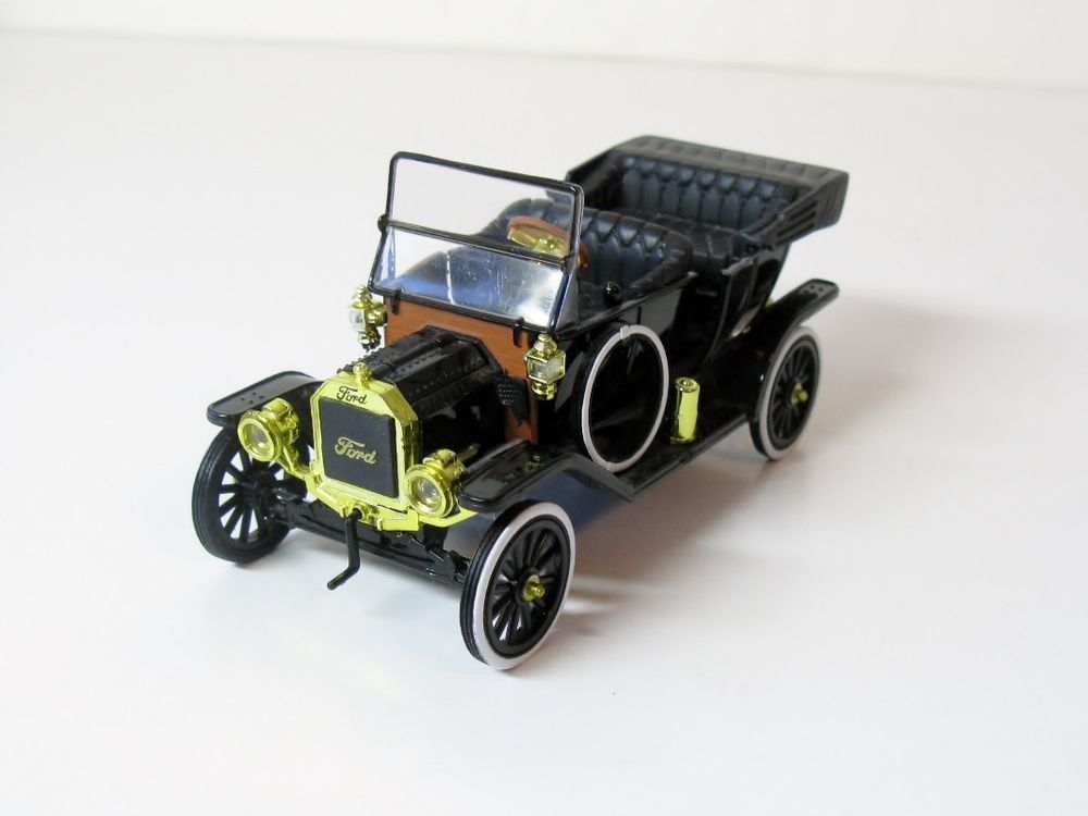 National Motor Museum Mint Ford Model T 1 32 Scale Die Cast Car Model