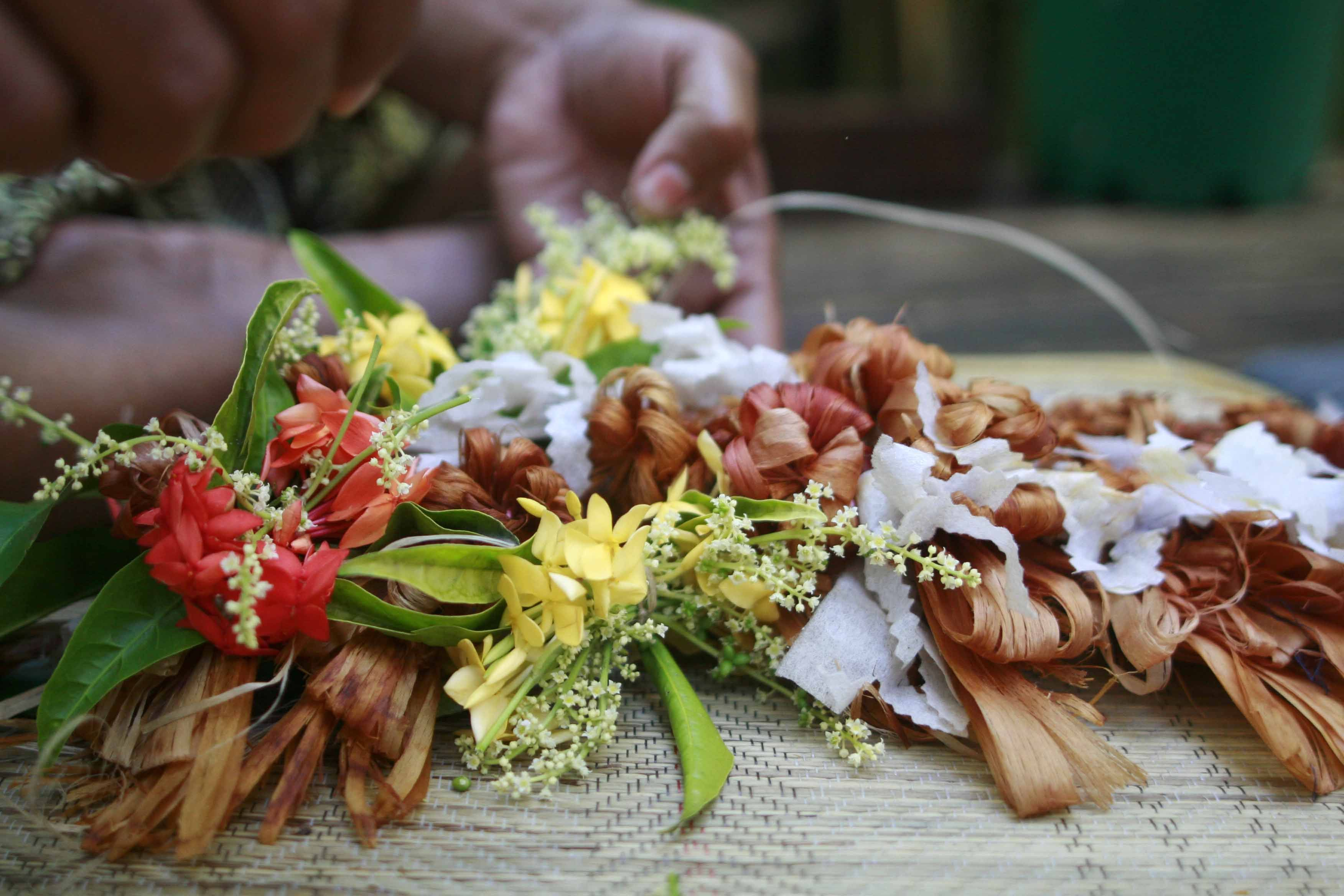 Salusalu Nadi Fiji | Poly Lei's | Nadi fiji, Fiji, Leis