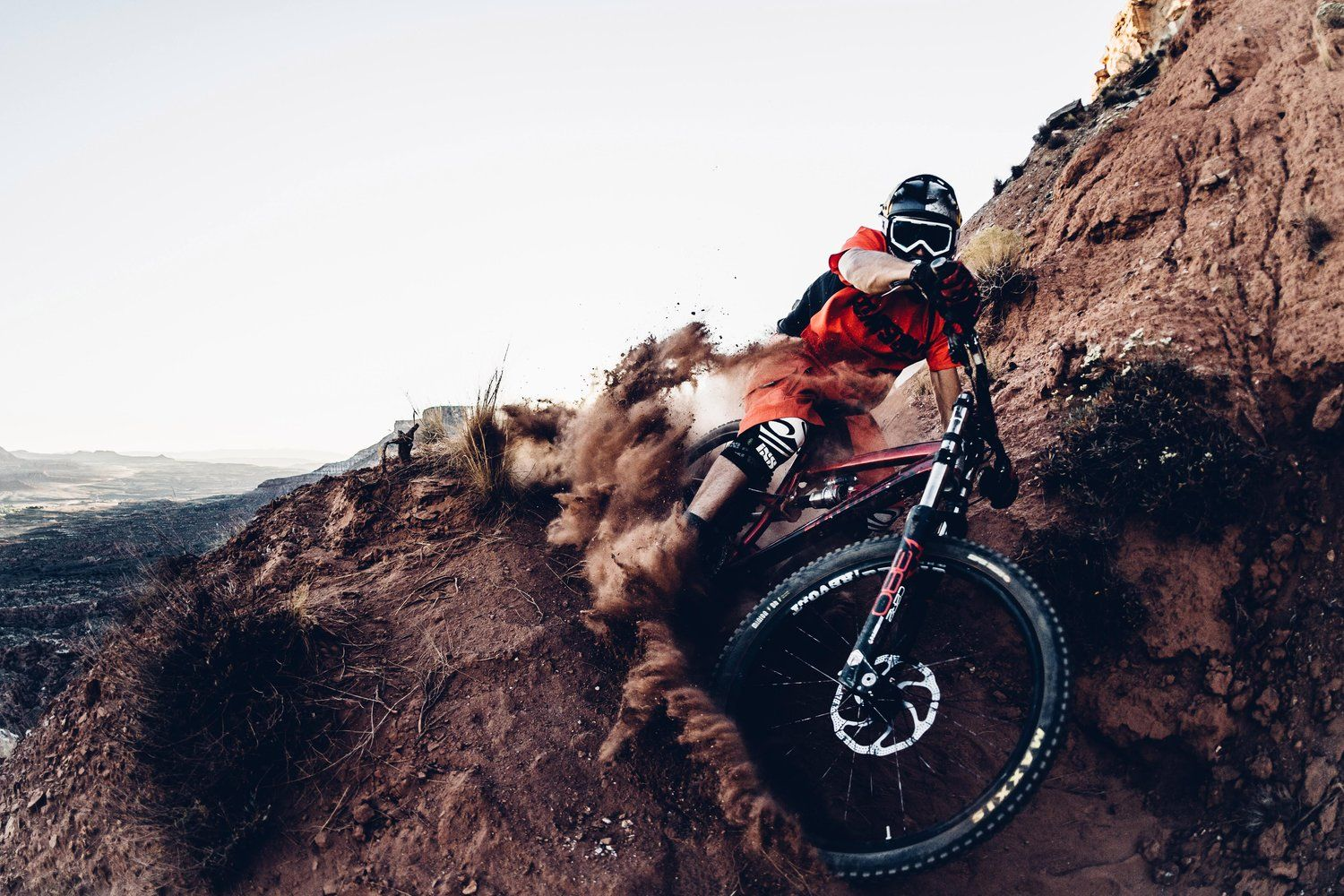 The Coolest Downhill Kit Of 2016 With Images Extreme Sports