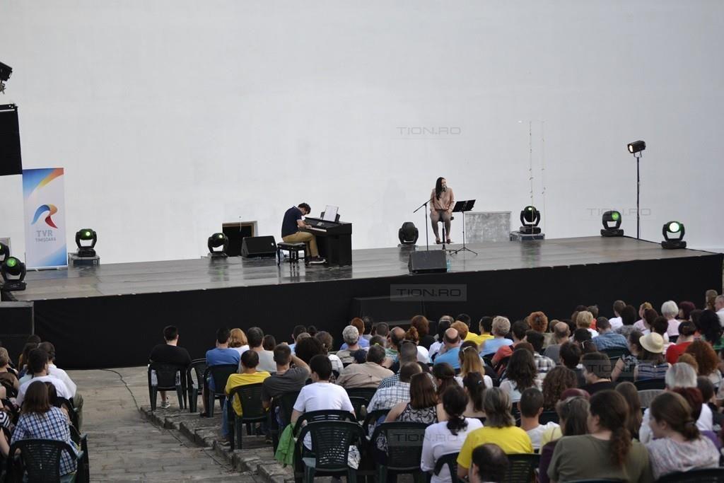 Teo Milea si Amalia Gaita au umplut Gradina de vara in prima seara a Festivalului Artelor