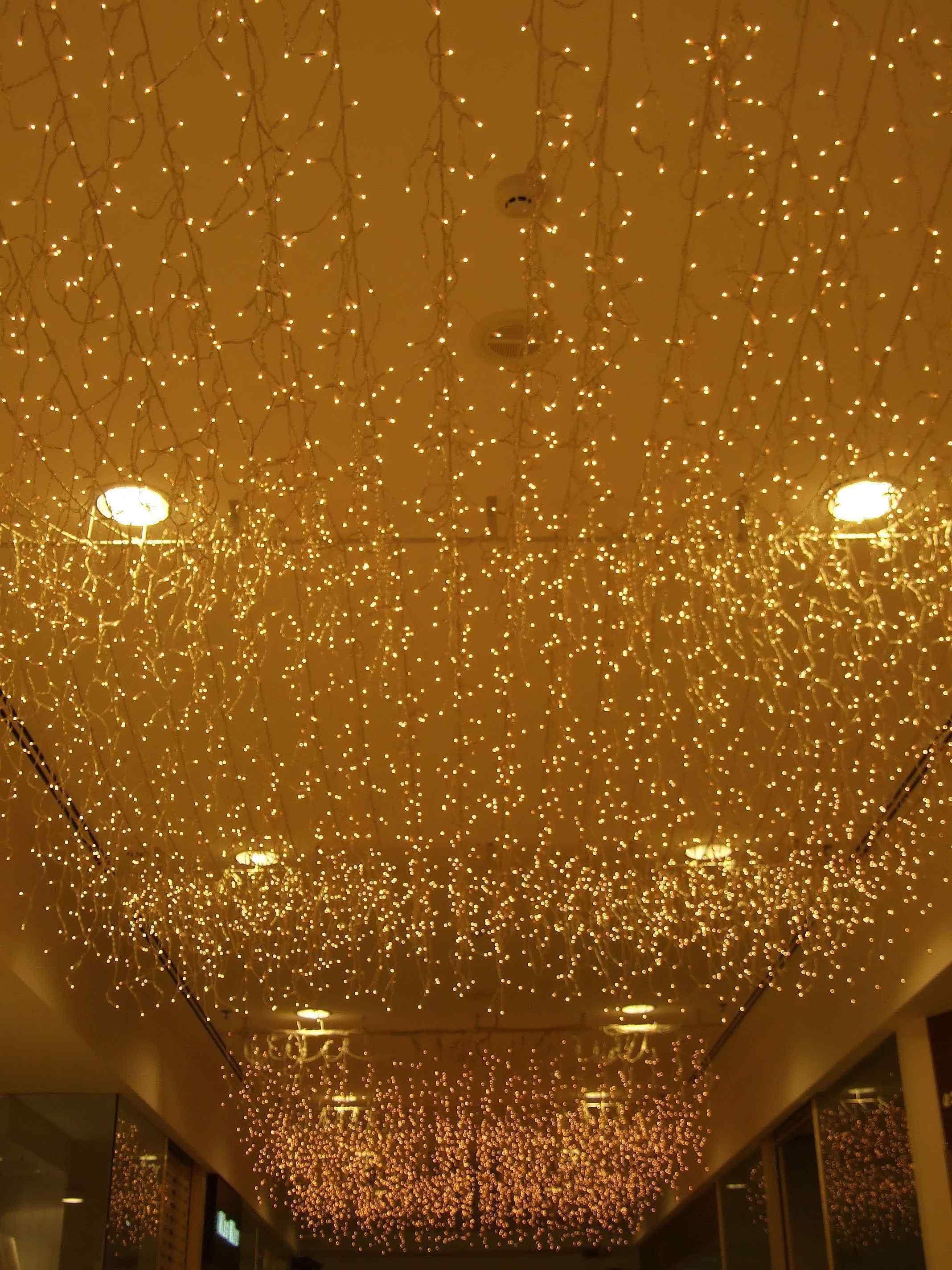 10 inspirational christmas decoration ideas for ceilings