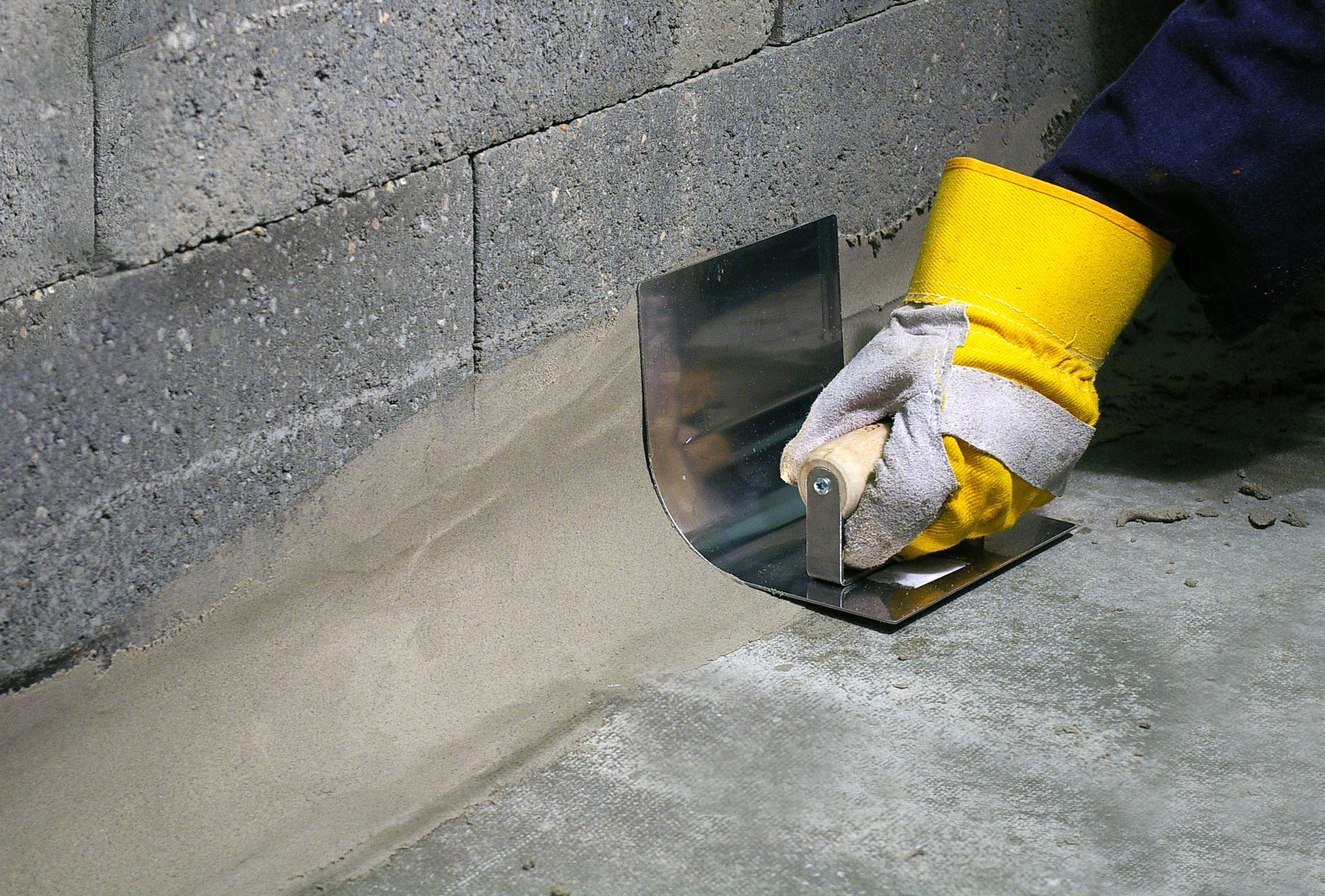 Watco S Coving Mortar Uses Concrex Technology For Tough Chemical And Impact Resistant Skir Concrete Repair Products Concrete Resurfacing Concrete Floor Repair