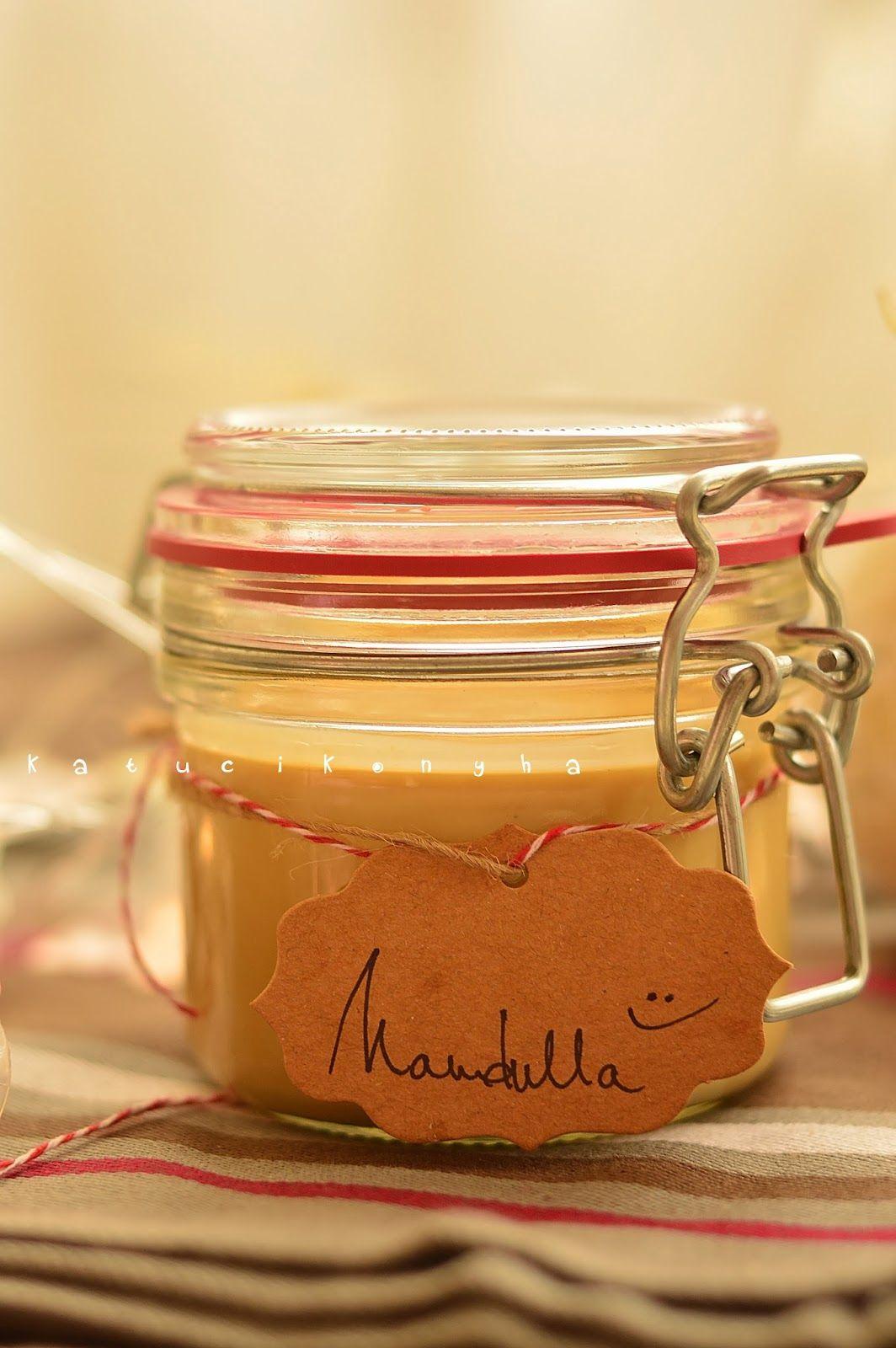 Igen, igen, tudom, hogy a mandulát egy L-lel írjuk. De ha a mogyorókrém nutella, akkor engedtessék meg nekem, hogy a mandulakrémet mandullán...
