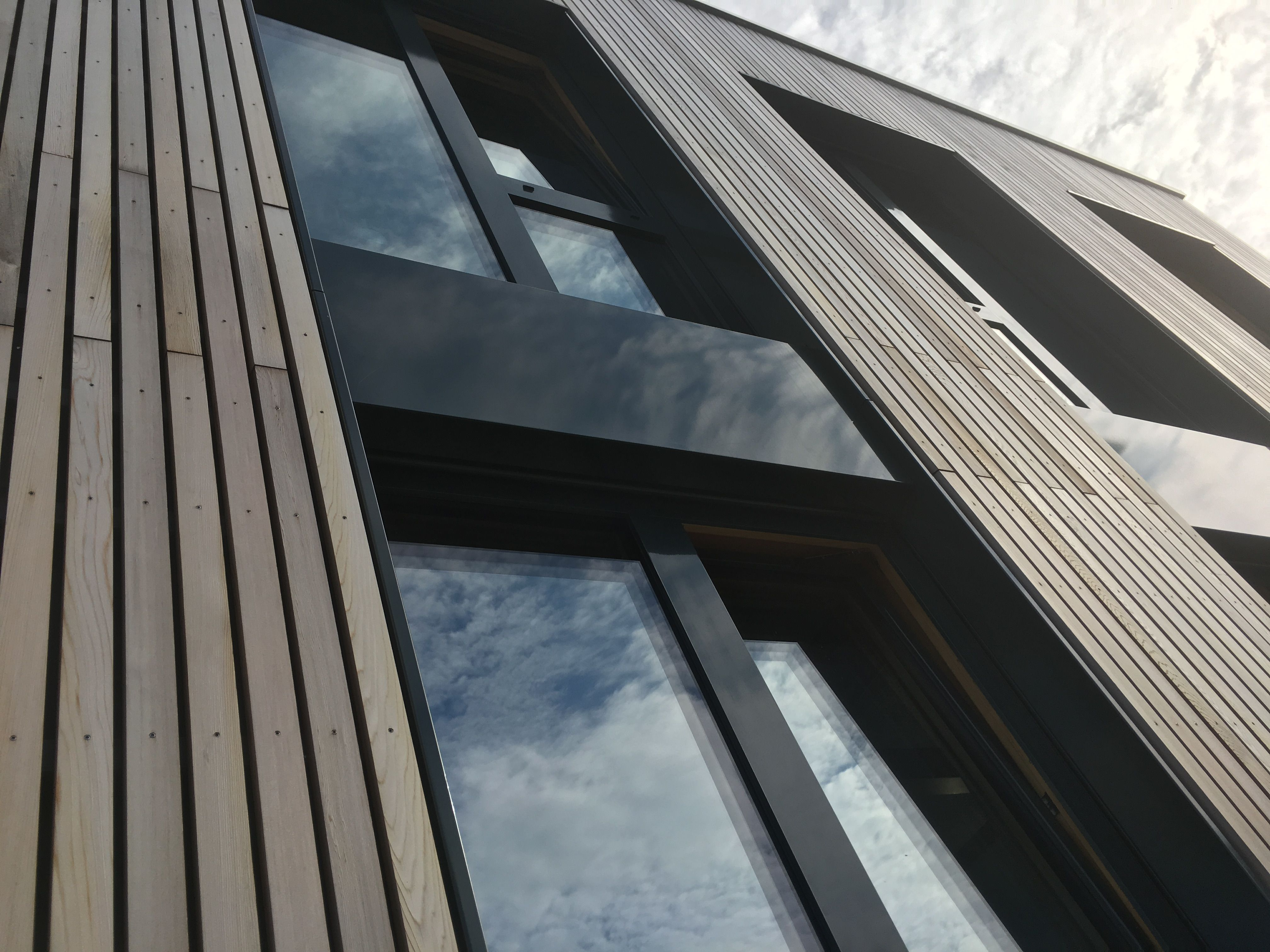 western red cedar fassade holzfassade wood cladding. Black Bedroom Furniture Sets. Home Design Ideas