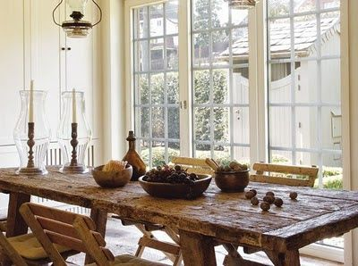 Blog sullarredamento per la casa in stile shabby chic provenzale love this kitchen table add a bench to make it even more farmhouse charming love those lights where to find them though i love everything about this watchthetrailerfo