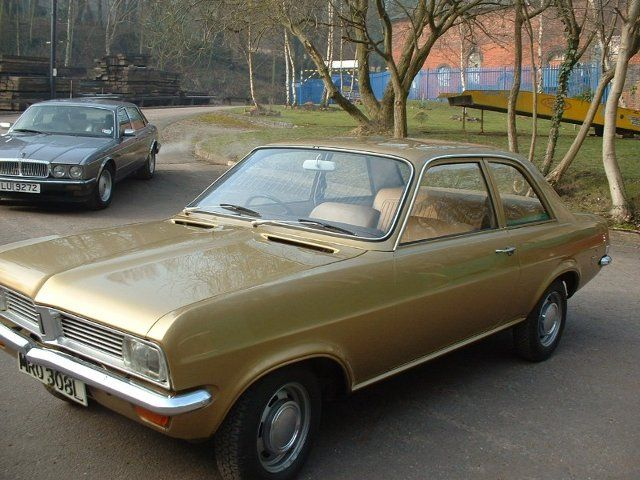 We Re Loving The Gold Paintwork On This Classic Vauxhall Viva Do