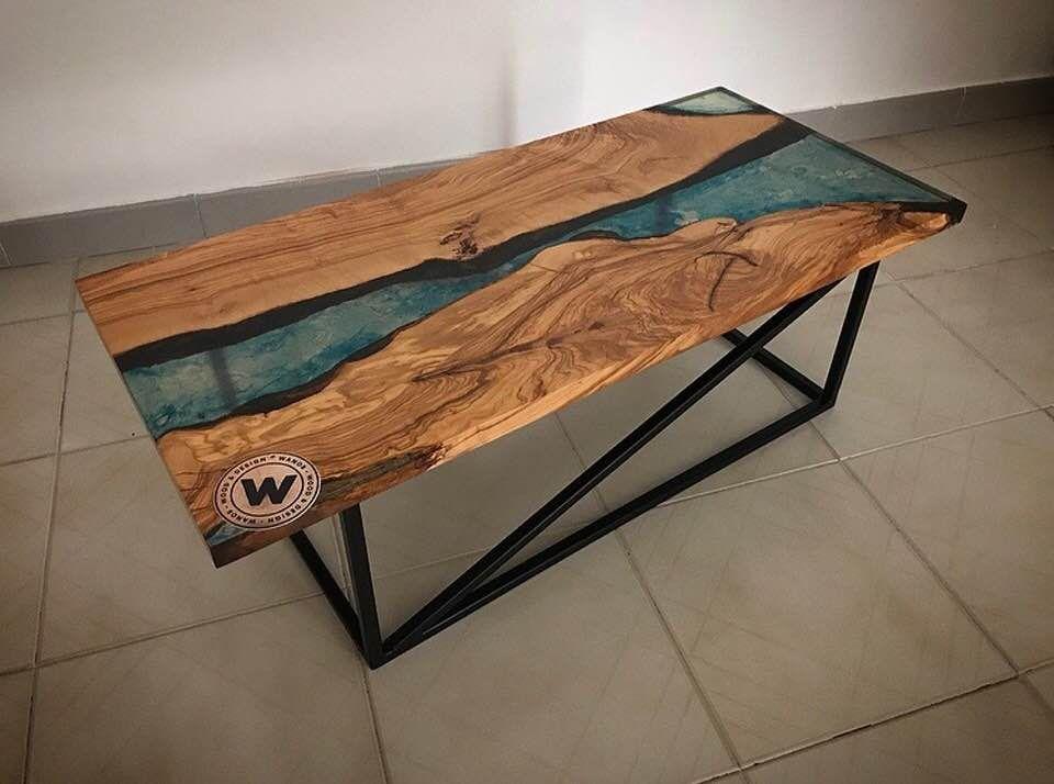 Coffee Table In Legno Massello Di Ulivo Con Inserti In Resina Effetto Acqua Marina Su Struttura In Ferro Di Design Wa Tavoli In Legno Legno Tavolino Da Caffe