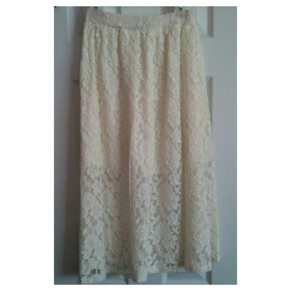 Lace flowy skirt Knee length, off white/beige Skirts Midi