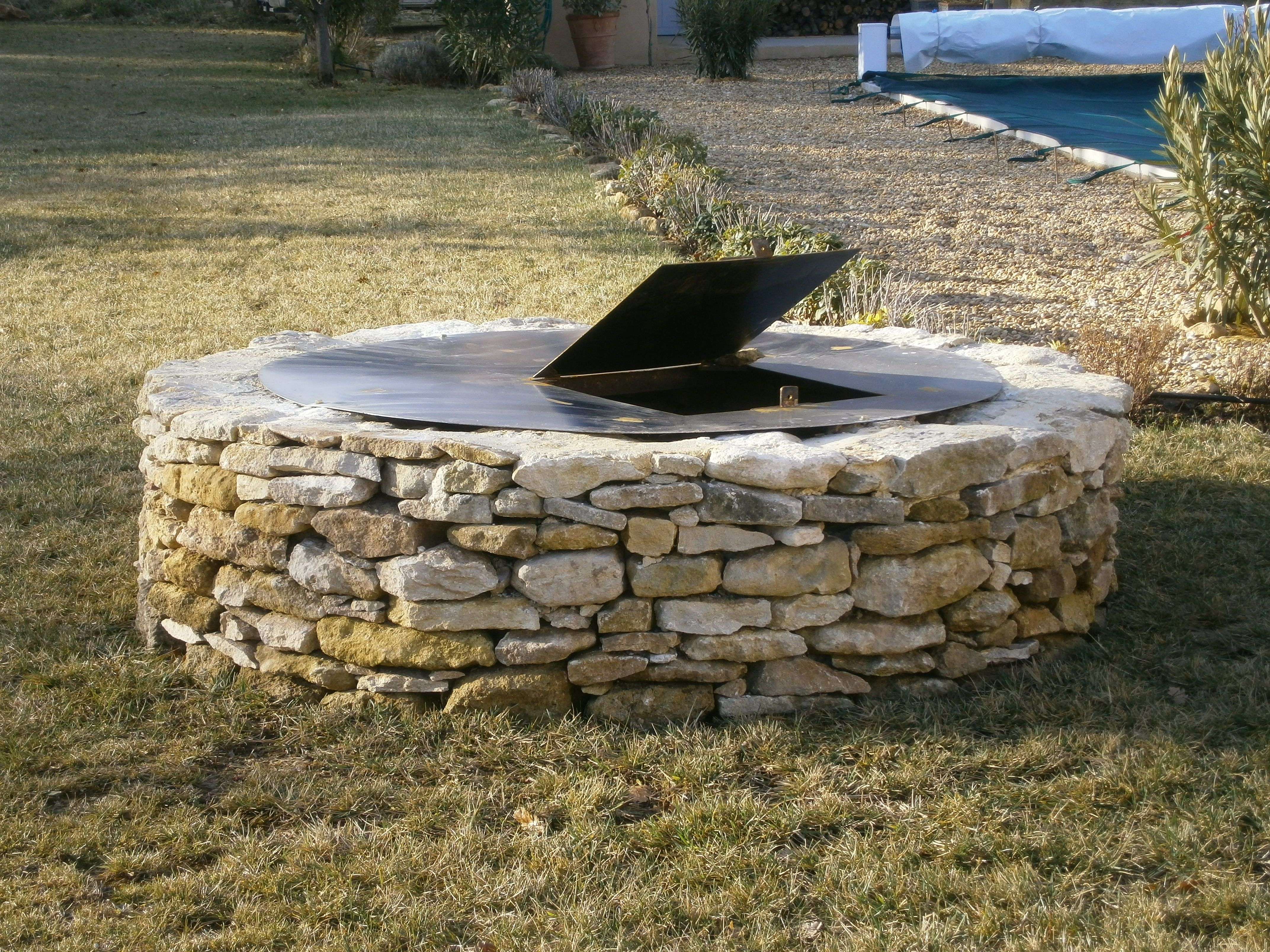 Puit en pierre recherche google exterieur pinterest - Puit en pierre ...