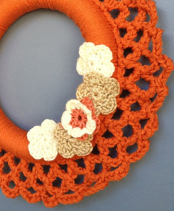 Crochet wreath with grey or hazelnut flowers decor wall hanging orange 15 crochet - Decoration au crochet ...