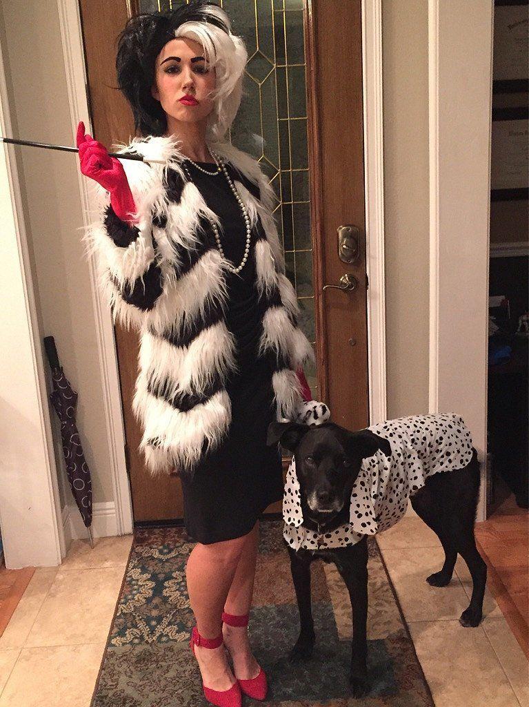cruella de vil note the pup 39 s cute costume halloween pinterest kindheitshelden kost m. Black Bedroom Furniture Sets. Home Design Ideas