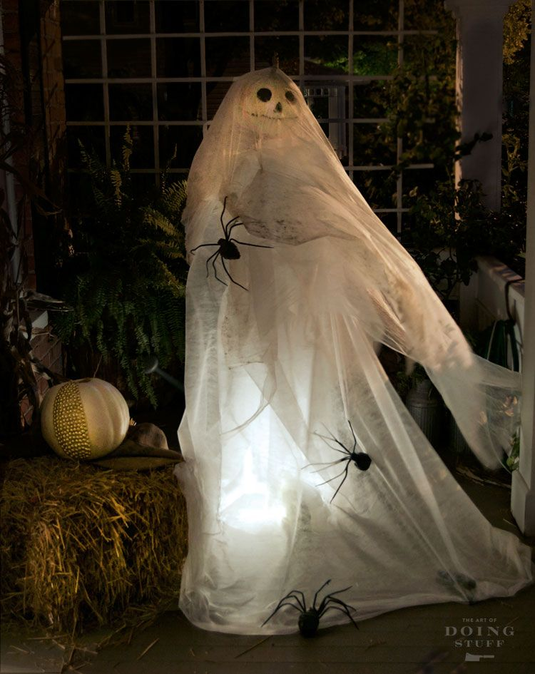 Halloween Ghost Decoration made with an oscillating fan! Halloween