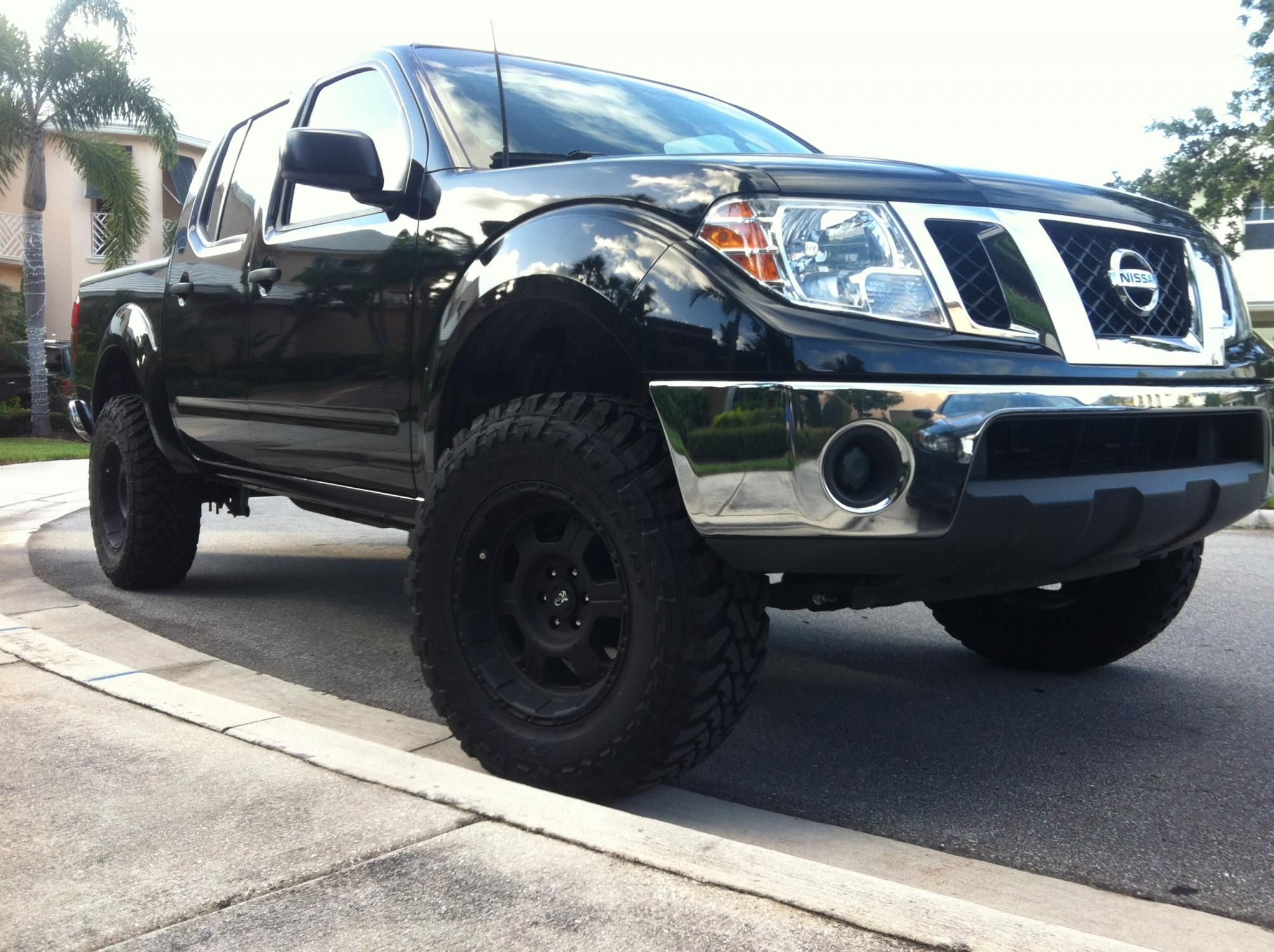 Nissan frontier nissan trucks crossovers and suvs nissan frontier vanachro Images