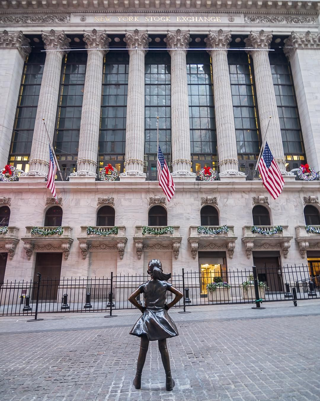 Pin By Cane On New York City Ny Stock Exchange Wall Street News Stock Exchange