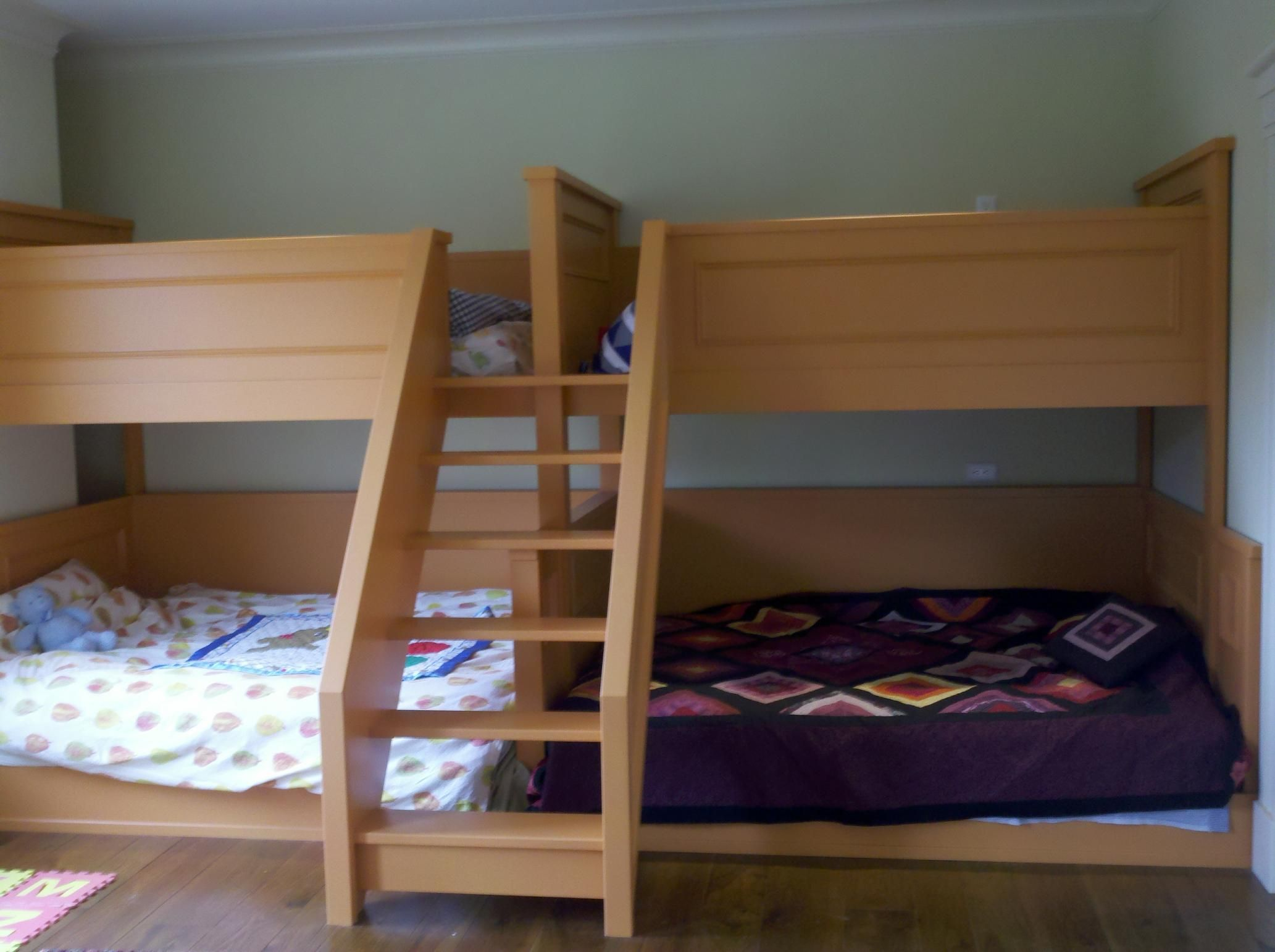 pair of quad bunk beds20110228_102005_796.jpg Bunk