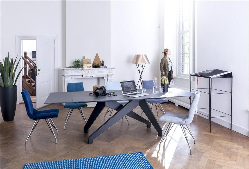 Xooon Stoel Artella : Enzo extension table and our artella chairs with their design