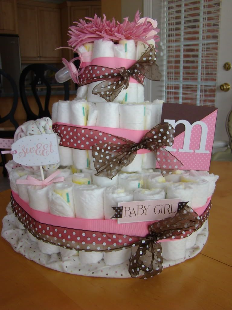 Cute Diaper Cake Idea For Baby Shower Baby Shower Crafts Baby Shower Diaper Cake Baby Shower Diapers
