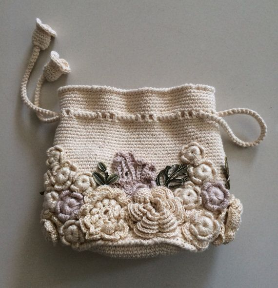 bag small handmade irish lace crochet decorated with flowers style boho retro tasche. Black Bedroom Furniture Sets. Home Design Ideas