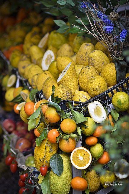 Agrumi Di Sicilia In 2020 Sicilian Recipes Fruits Veggies